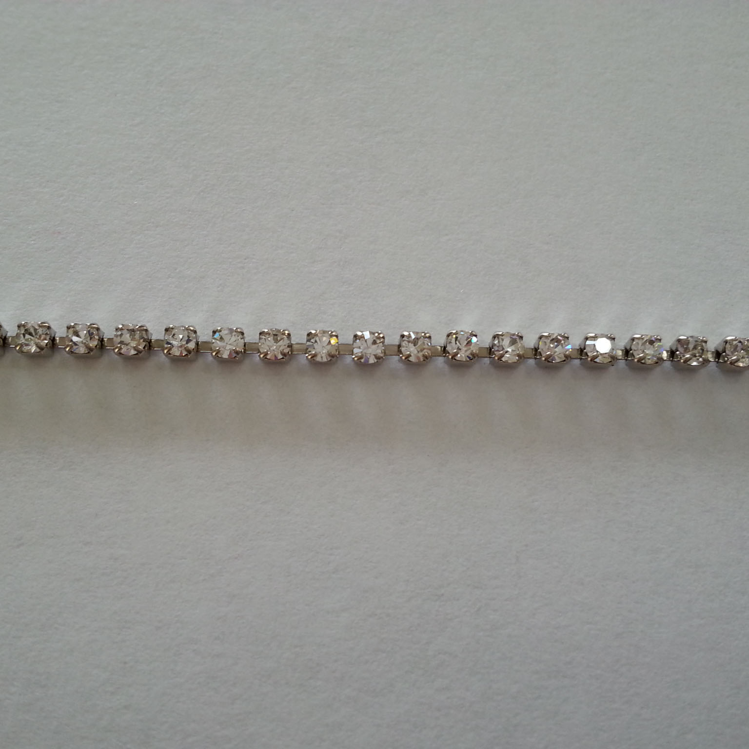 Catena strass 2mm - (Crystal) 1 metro